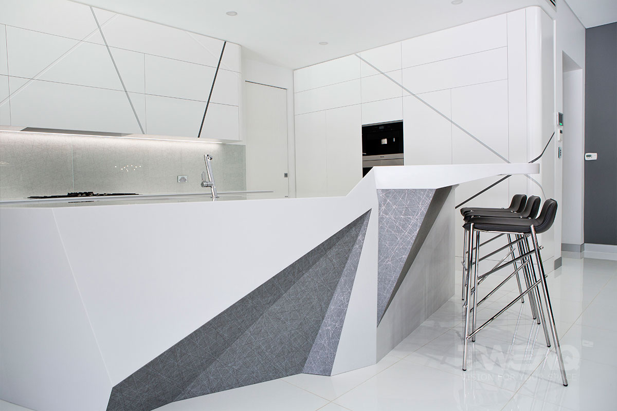 Uber-Contemporary-Estate-Kitchen-Interior-Design-Idea-with-Chairs-Side
